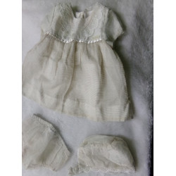 Vestido con capota y braguita. Talla 2-4 meses. Segunda mano