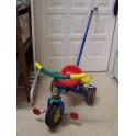 Triciclo con volquete de Coloma y Pastor