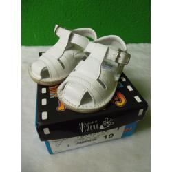 Sandalias de piel blancas T 19