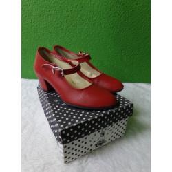Zapato de sevillana rojo n30. Segunda mano