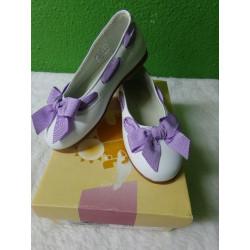 Zapato resto de tienda blanco y lila talla 25