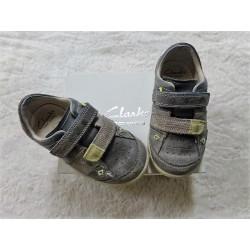 Zapato Clarks talla 23