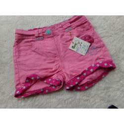 Pantalon corto rosa 3 años