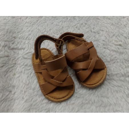 Sandalia de piel T16