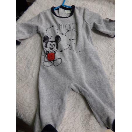 Pijama Mickey talla 3 meses. Segunda mano