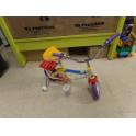 Bicicleta con ruedines coloma y pastor