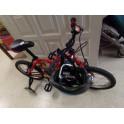 Bicicleta Orbea Mx14 con ruedines y casco. Segunda mano