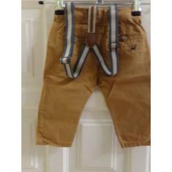 Pantalón de Zara con tirantes talla 3-6 meses. Segunda mano