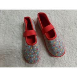 Zapatillas N 32. Segunda mano
