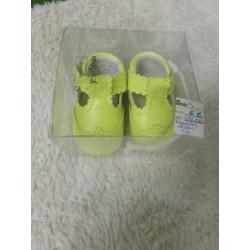 Zapatitos verdes N 16. Segunda mano