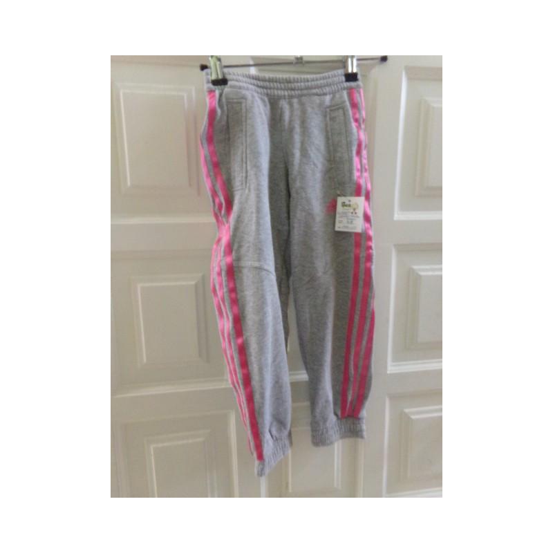 Pantalón de chandal Adidas talla 4 años. Segunda mano