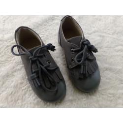 Zapato N 24 color gris. Sin uso