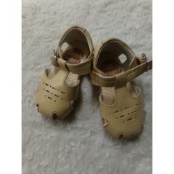 Sandalia de piel n 19....