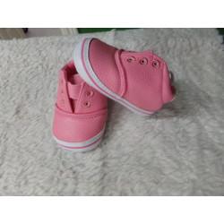 Zapatilla rosa N 17. Sin uso