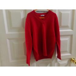 Jersey rojo talla 6 años....