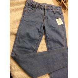 Pantalon talla 10 años....
