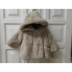 Abrigo pelito talla 6-12...