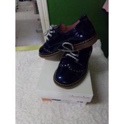 Zapato azul marino n 28....