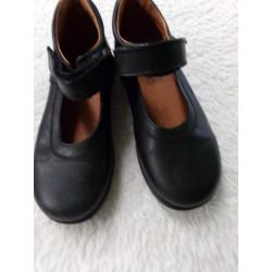 Zapatos LH N 29. Negros....