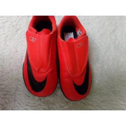 Tenis Nike CR7 n 28....