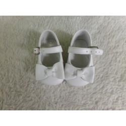 Zapato blanco N 17. Segunda...