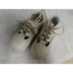 Zapato blanco n 22. Segunda...
