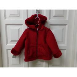 Abrigo rojo de pelito y...
