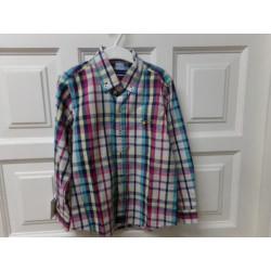 Camisa talla 6 años....
