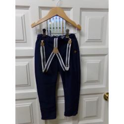 Pantalón Zara talla 2-3...