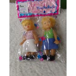 2 muñecas. A estrenar