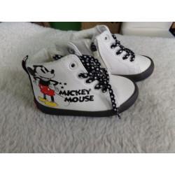 Tenis Mickey N 22. A estrenar