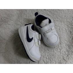 Tenis Nike n 22. Sin uso.