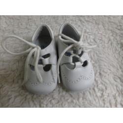 Zapato blanco. N 16....