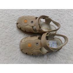 Sandalias de piel N 25....