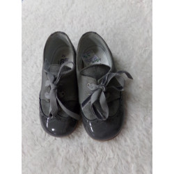 Zapato gris Cucada N 24....