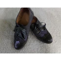 Zapato gris N 34. Segunda mano
